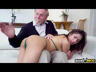 BangBros - Kira Gets Pounded By Grandpa / Kira Perez