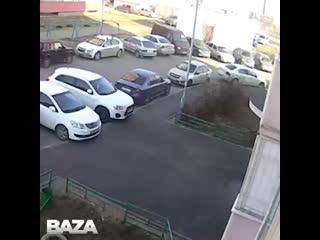 В Казани неизвестный парень напал на пенсионерку и отобрал у нее продукты и кошелек
