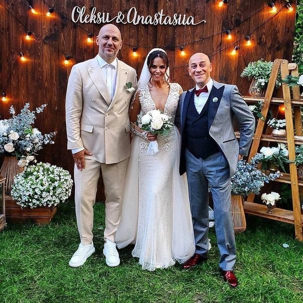 Потап и Настя Каменских признались в интервью, что хотели закрытую свадьбу.
