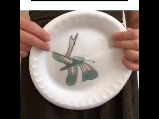 ПРЕВРАЩЕНИЕ В БАБОЧКУ. Познавательная поделка из пластиковых тарелок.