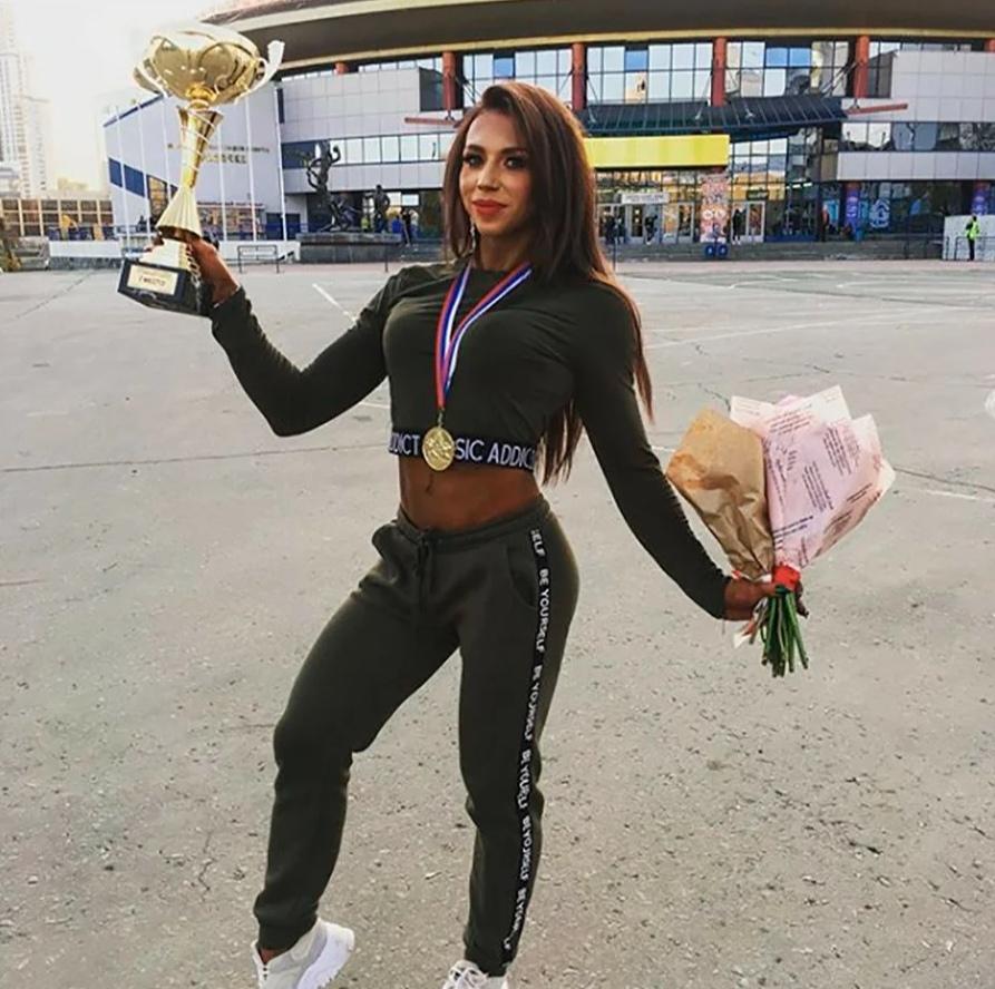 Простой воспитатель из детского сада, оказалась абсолютным чемпионом Урала и Сибири по бодибилдингу
