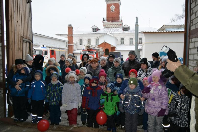 В Коврове прошел день открытых дверей посвященный 116-летнему дню рождения пожарного депо., изображение №2