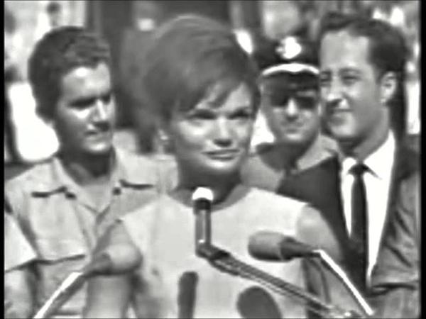 December 29 1962 Jacqueline Kennedy's full speech in Spanish at the Orange Bowl in Miami Florida