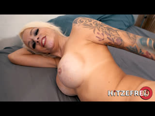 Hitzefrei Sophie Logan is Max' MILF of the Month Pickups Teen Horny Busty Casting