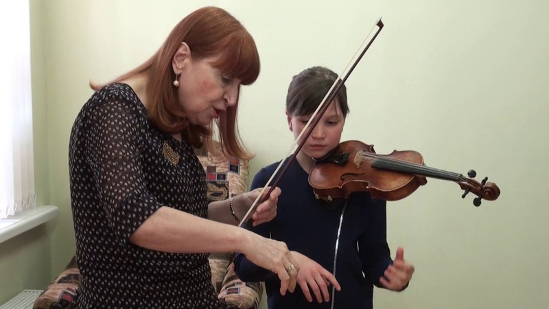 T Berkul Cycle of video lessons Work on violin sound with pupils of different ages