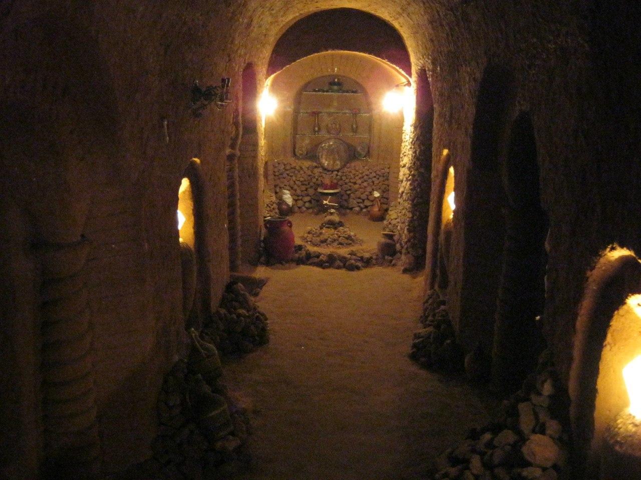 зал в подземном лабиринте Левона