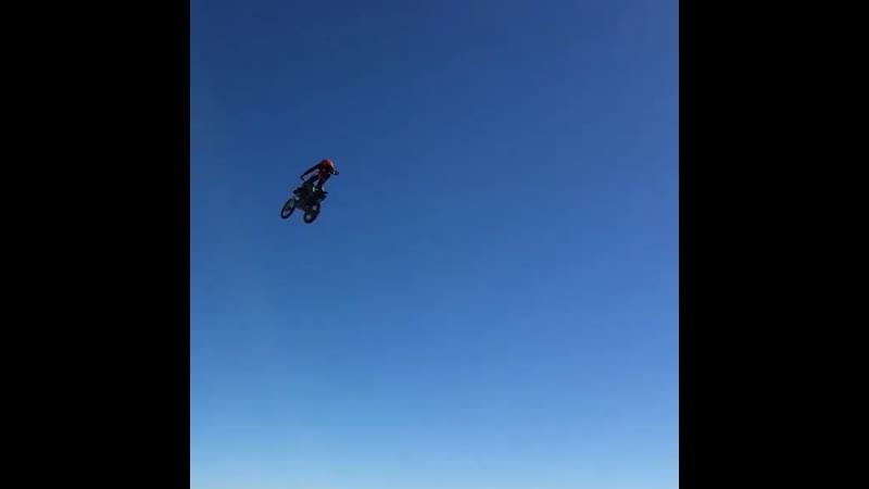 Полёт на мотоцикле 🦅