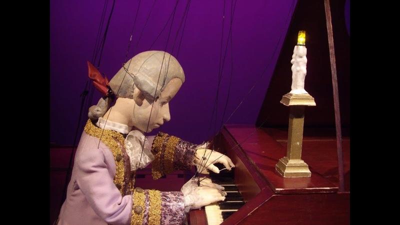 Marionette Wolfie Mozart pianist Vaughan Schlepp Two Maestro's Amsterdam Marionette Theatre