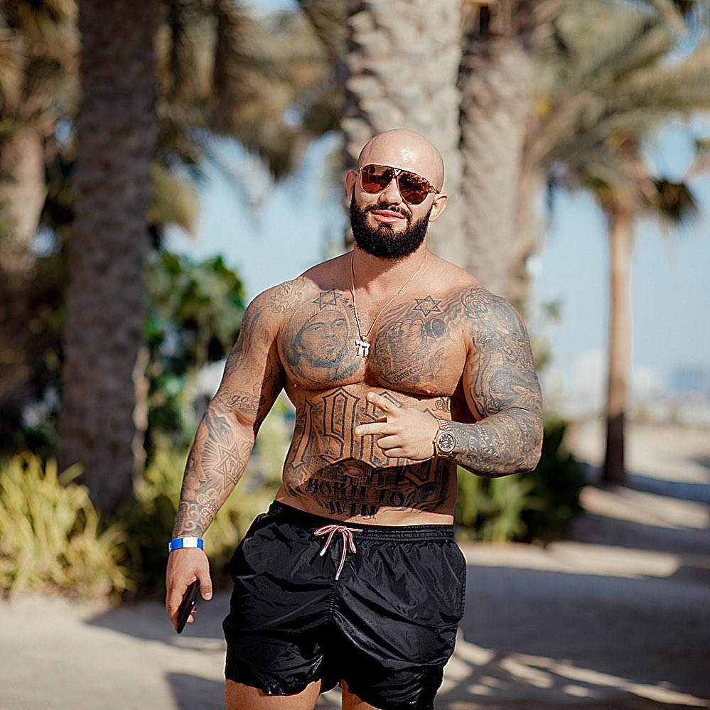 Джиган признался, что за время самоизоляции набрал вес и заплыл жиром, рэпер весит 110 килограммов  Ну время похудеть еще есть, главное не сдаваться