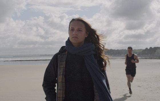 Видео к фильму Пoгpyжeнue 2017 Интернет трейлер дублированный