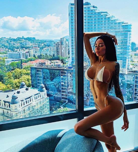 Алена Омович, модель.