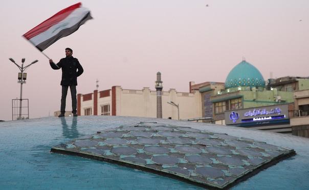 В Иране погибли сотни людей, которые поверили в фейковую новость о коронавирусе. В некоторых местных СМИ сообщили, якобы метанол помогает защититься от вируса и в итоге более тысячи иранских