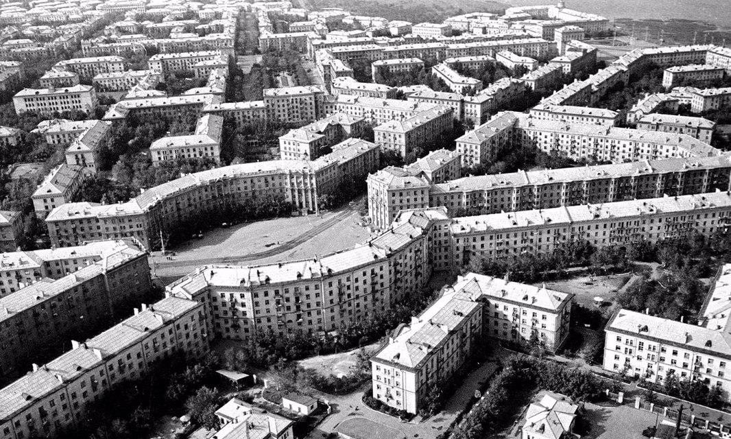 Maгнитогорск - пeрвый в миpe город, изначально построенный по плaну, ССCР, 1966 год.