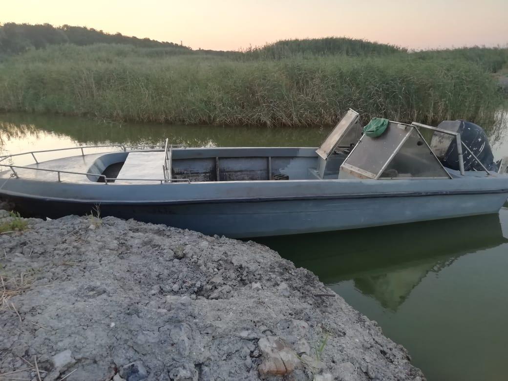 В Таганрогском заливе пограничники задержали браконьеров с уловом на сумму 1,5 млн. рублей