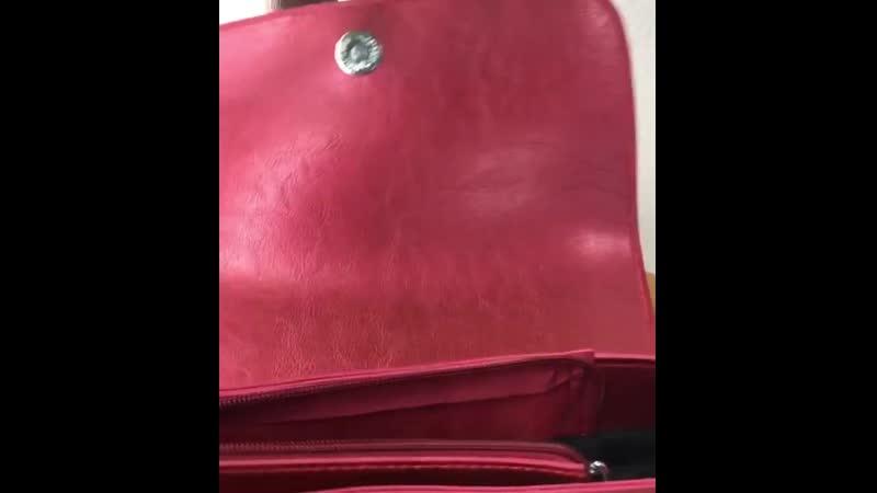 Вместительные маленькие сумочки 🤗 Два отдела, длинный наплечный ремешок в комплекте 👍 Смотри видео ⏩ Качество 🔥 Кожа 👌 Размер: 2