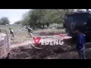 Застрявший бронеавтомобиль Турции в САР