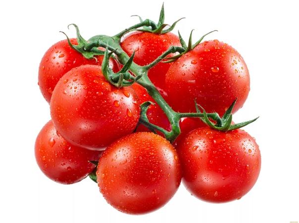 Хочу рассказать о том, как я простым способом смогла повысить урожайность своих помидоров