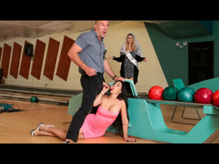 Brazzers Valerie Kay - Bowling For The Bachelor NewPorn2019
