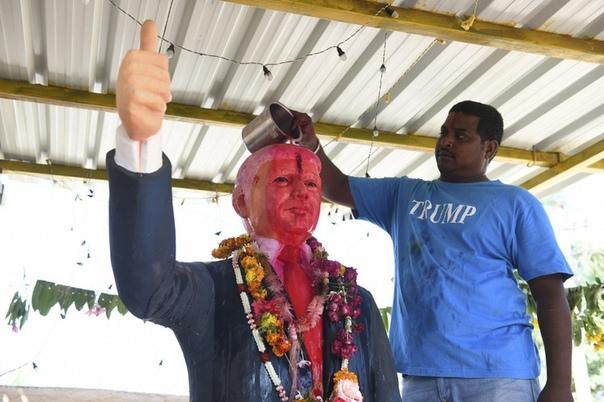 Плачьте, евреи, ведь Бог американец. Недавно 33-летний житель Индии Бусса Кришна, являющийся большим фанатом американского президента Дональда Трампа, создал статую политика в его полный