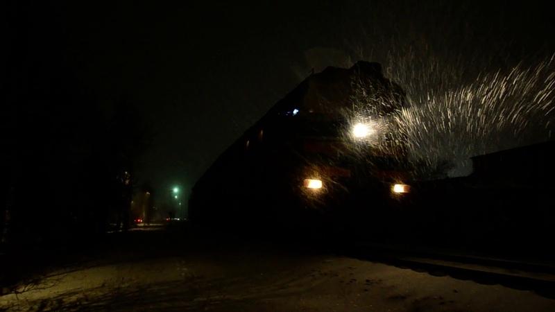 Фірмовий Потяг Маяк 2ТЭ116 1324 1207 отпраляется с поездом №115 Бердянск Киев с ст Бердянск