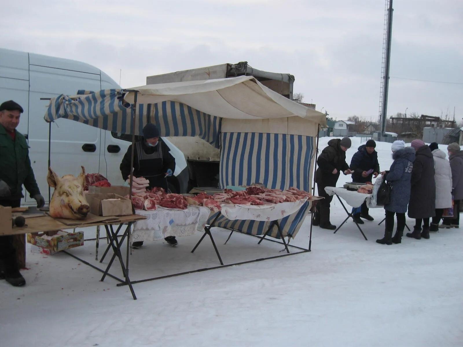 На городском рынке Петровска прошла сельхозярмарка