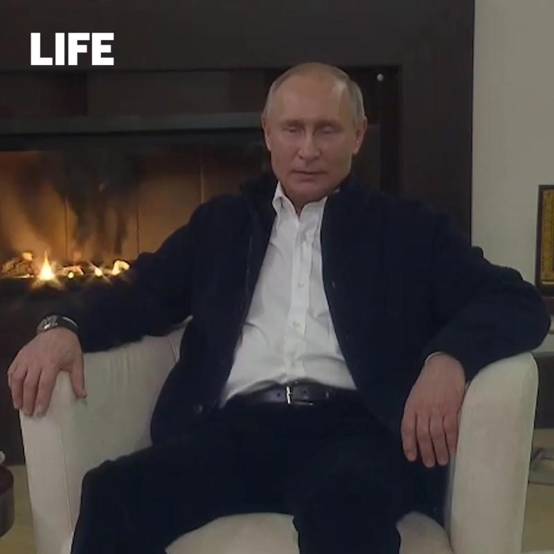 Владимир Путин поздравил россиян с Пасхой