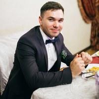 Роман Ожерельев