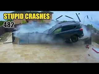 Stupid driving mistakes 482 (May 2020 English subtitles)