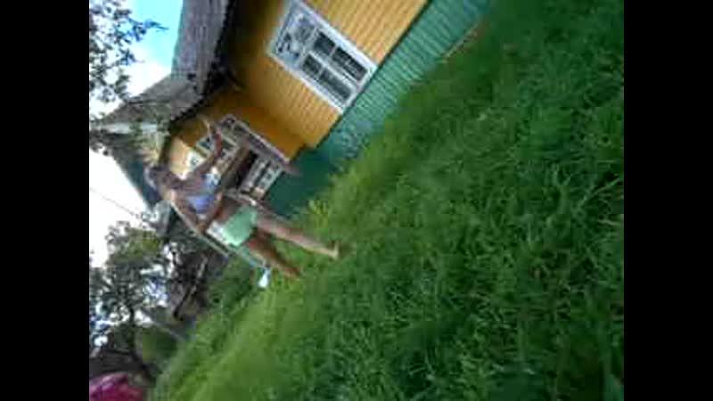 ещё одна из моих сиделок,но эта была только на одно лето. дело происходит там же,у меня на даче,в деревне,2016 год,лето