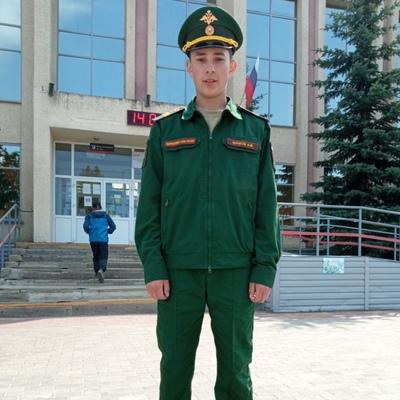 Артур, 21, Yanaul