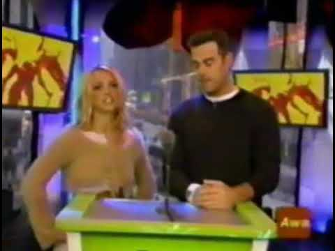 Britney Spears and Carson Daly presenting to Christina Aguilera won trl evolution awards 2003