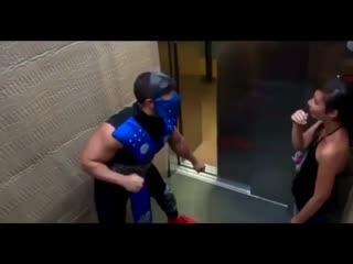 Мортал Комбат в лифте прикол | Пранк