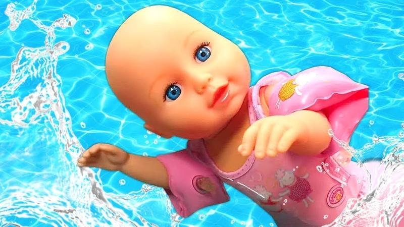 Baby Born bebek bakma oyunları Palyaço birden 3 bebeğe bakıyor