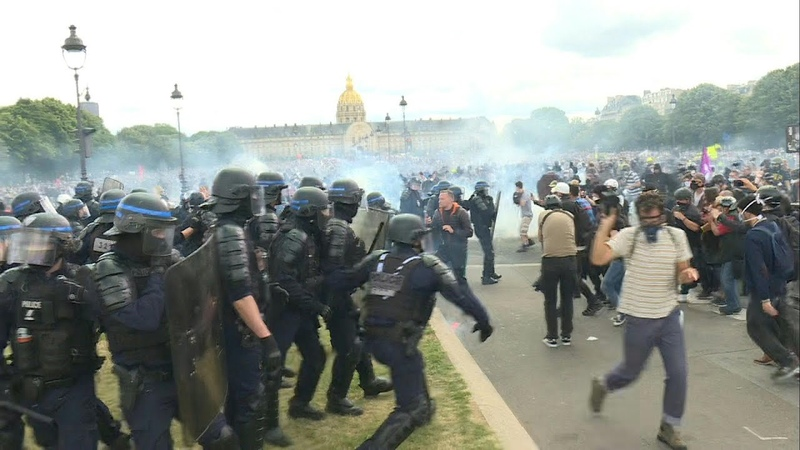 Clashes erupt in Paris at protest for public hospitals   AFP. 16 июн. 2020 г.